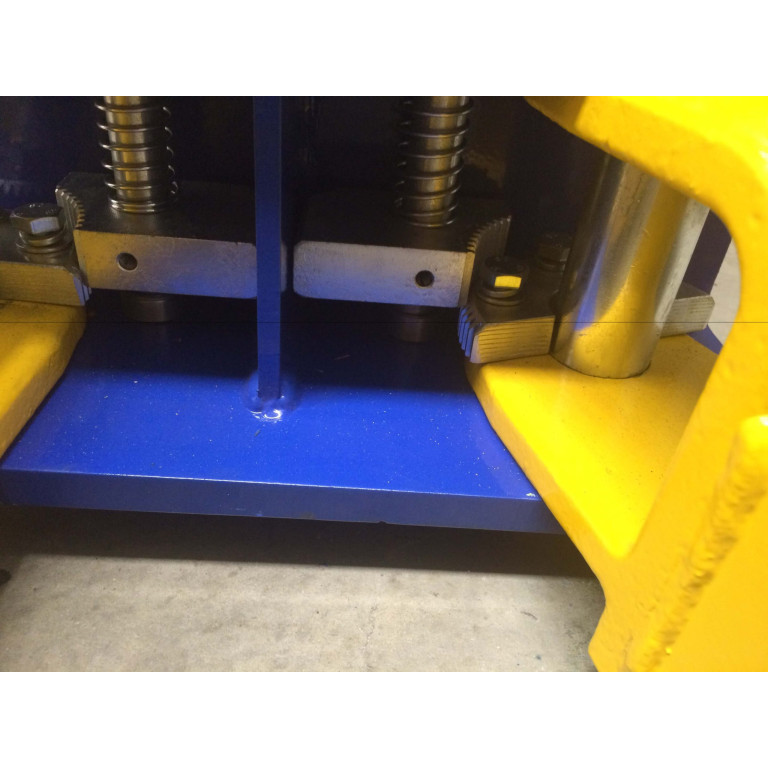 REAL 2 post clear floor lift 4 ton